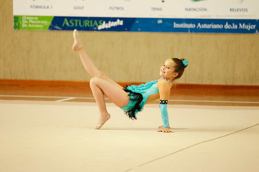 Gimnasia r tmica deporte asturiano for Deportes de gimnasia
